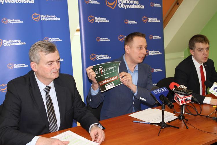 Partie, Konferencja prasowa Krzysztofa Brezjy - zdjęcie, fotografia