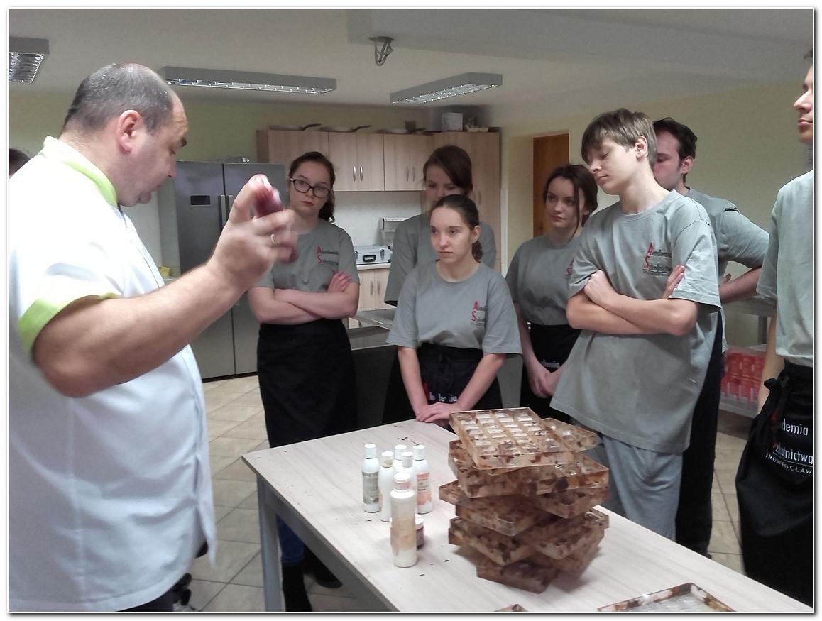 Edukacja, Szkolenie cukiernicze uczniów - zdjęcie, fotografia