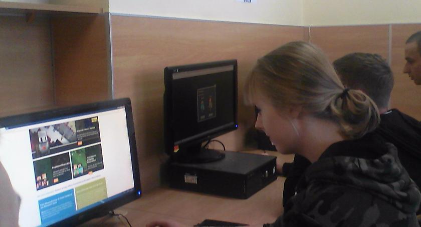 ponadgimnazjalne, Mechatronicy informatycy Mechana podczas - zdjęcie, fotografia