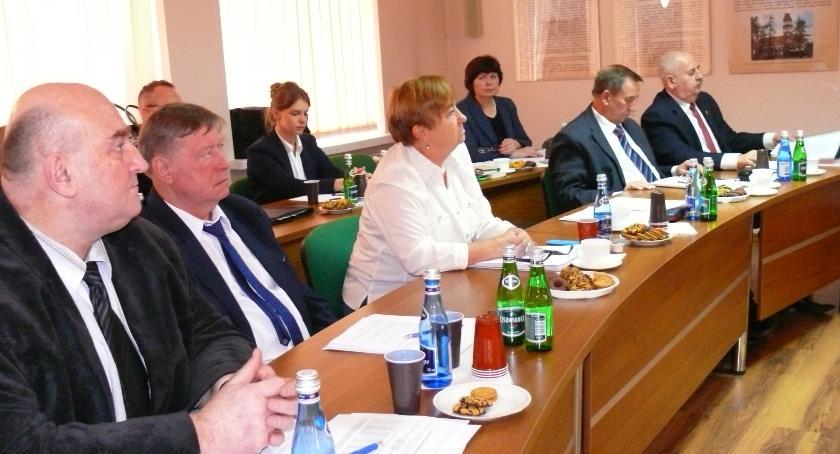 Samorząd, Powiat budżetem - zdjęcie, fotografia