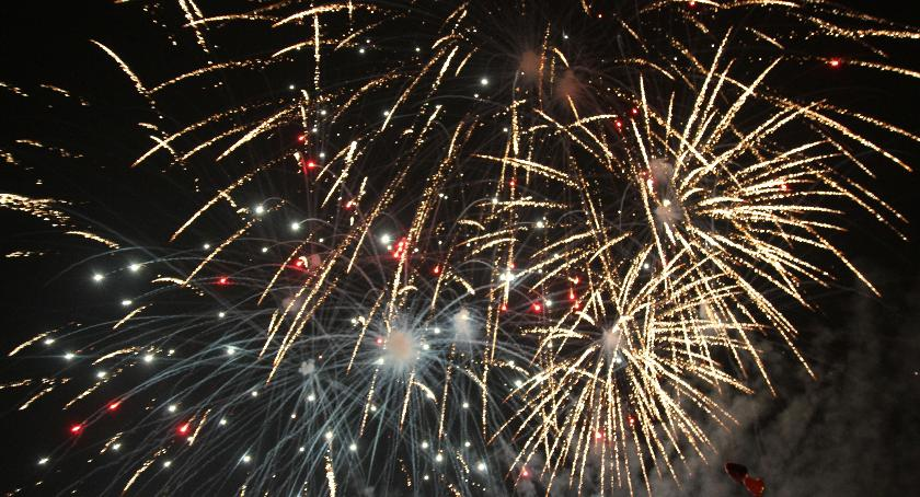 Festyny, Miasto zaprasza Sylwester gwiazdami - zdjęcie, fotografia
