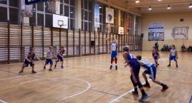 Koszykarze Kaspra na młodzieżowych parkietach